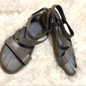 Teva leather Sandals Women's Sz 9